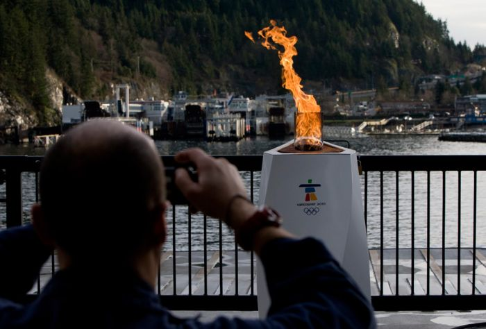Olympic Torch 2010 (42 pics)