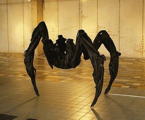 Amazing Sculptures Made From Used Tires (14 pics)