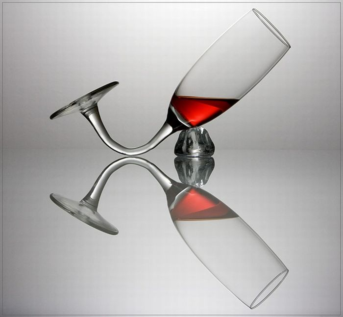 Playing with Glasses and Wine (20 pics)