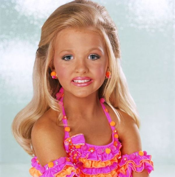 Child Beauty Pageant (29 pics)