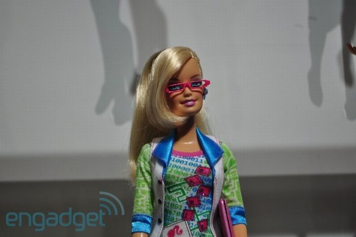 Computer Software Engineer Barbie (16 pics)