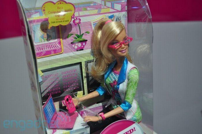Computer Software Engineer Barbie (16 pics)