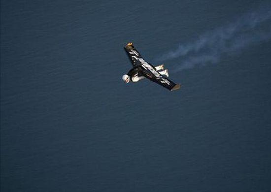 Flying like Icarus (16 pics)
