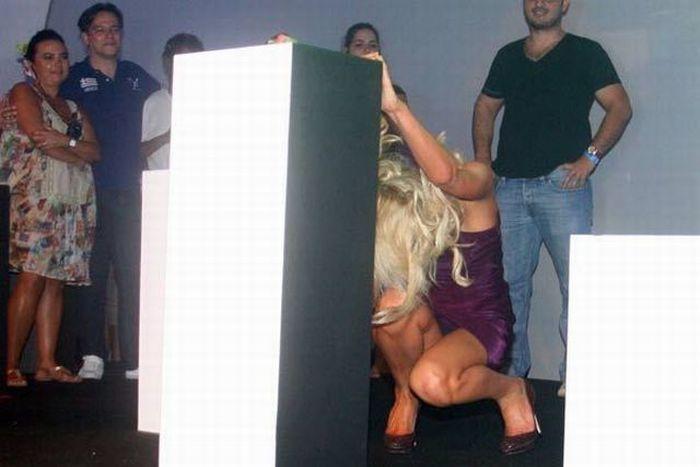 Drunk Paris Hilton (6 pics)