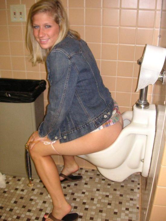 chubby-nude-girls-peeing