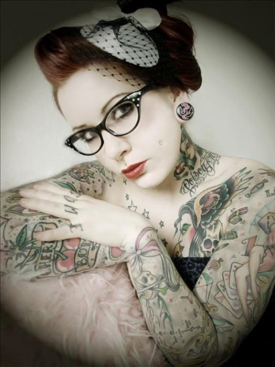 Girls with Tattoos (35 pics)