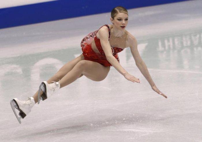 Ice Skating Falls (14 pics)
