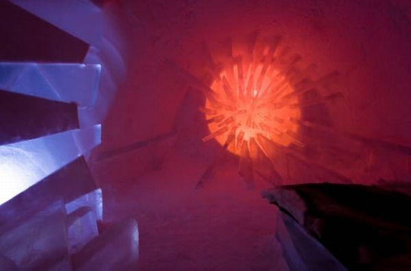 Ice Hotel (12 pics)