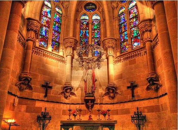 Temple Expiatori de la Sagrada Familia in Barcelona (23 pics)