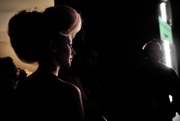Backstage during Fashion Week (30 pics)