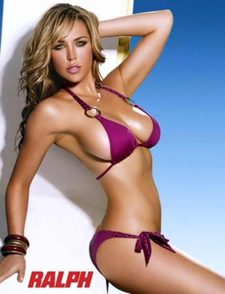 The Most Beautiful Women of 2010 According to AskMen.com (99 pics)