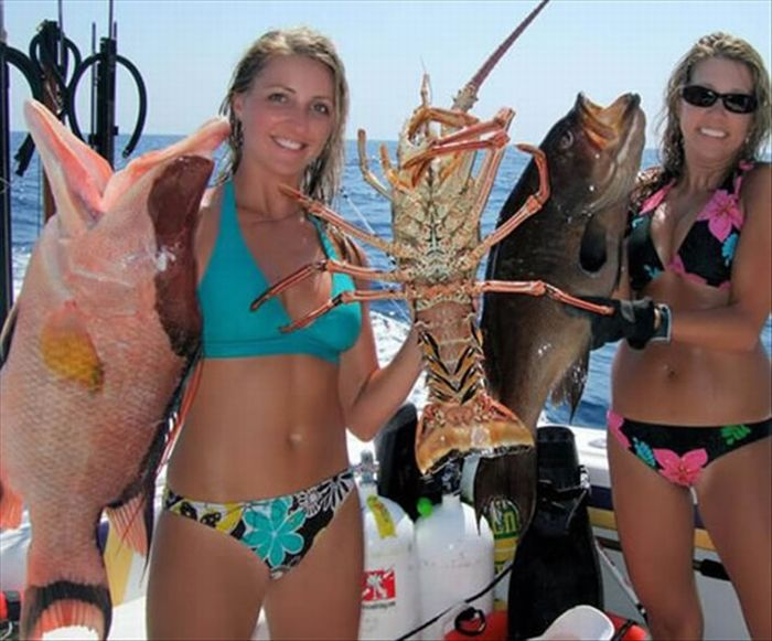 Girls Gone Fishing (25 pics)