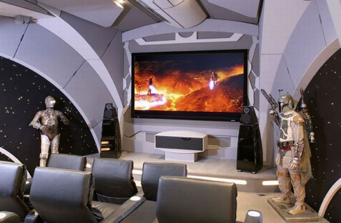 Home Theater of Star Wars Fan (20 pics)