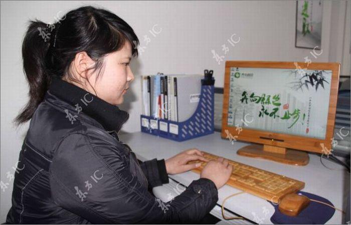 Chinese Eco-Friendly Bamboo Keyboards (12 pics)