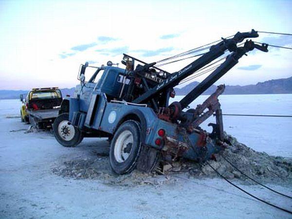 Stuck Wreckers (8 pics)