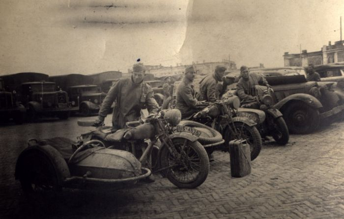 The Motorcycles of WWII (16 pics)