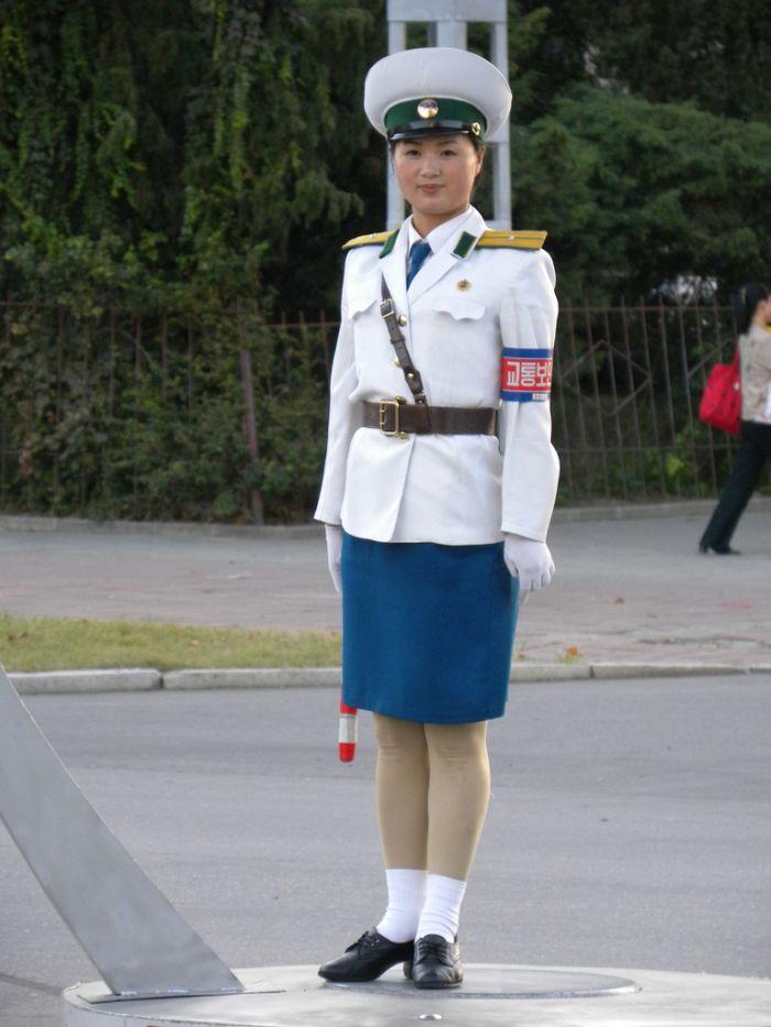 Pyongyang Traffic Girls - Page - 74.4KB