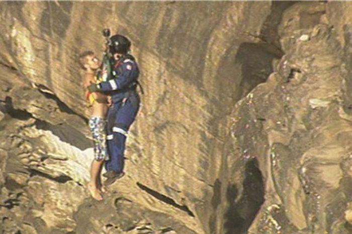 Rescue Operation of a Drunk Tourist (7 pics)