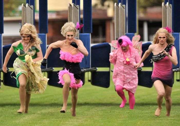 Pink Stiletto Gay and Lesbian Race in Sydney (7 pics)