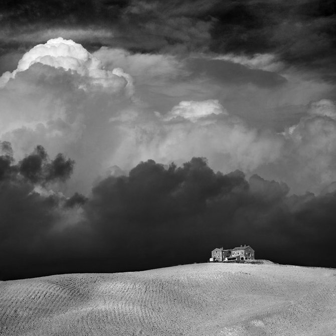 Beautiful Black and White Photos (29 pics)