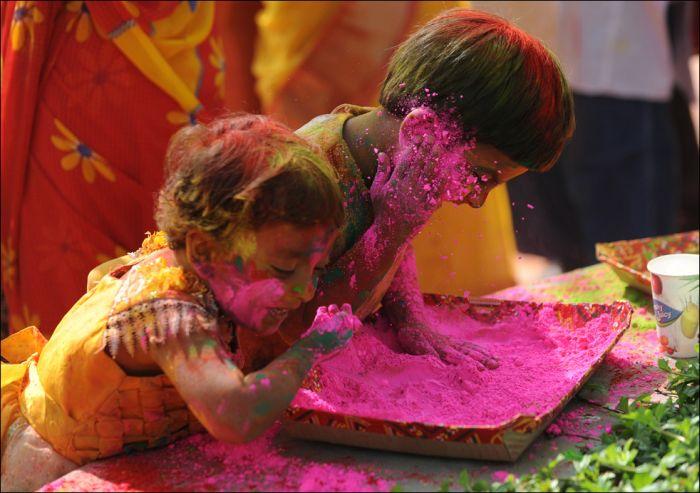 Indian Festival of Colors Holi (28 pics)