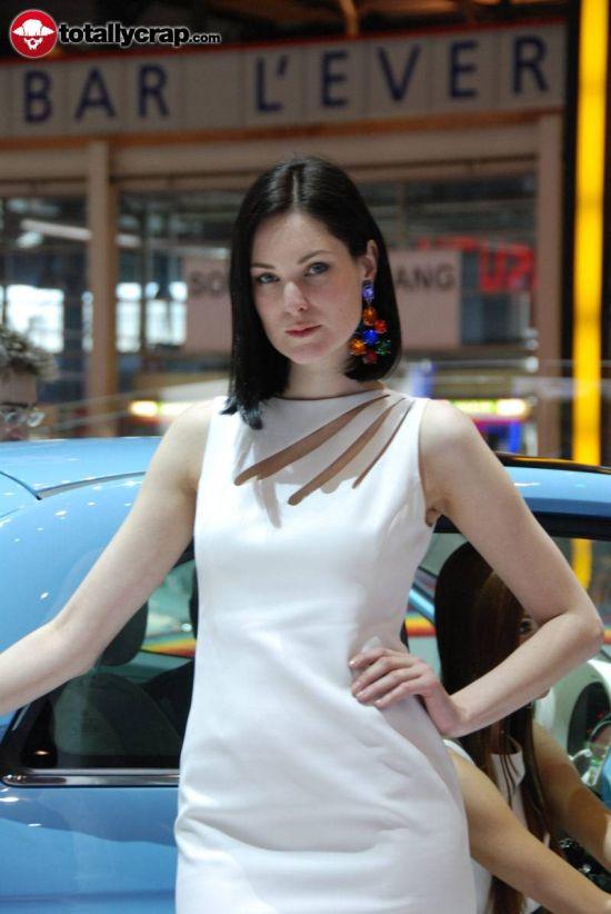 Girs of Geneva Auto Show (110 pics)