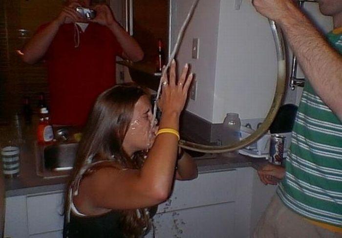 Beer Bong Girls (51 pics)