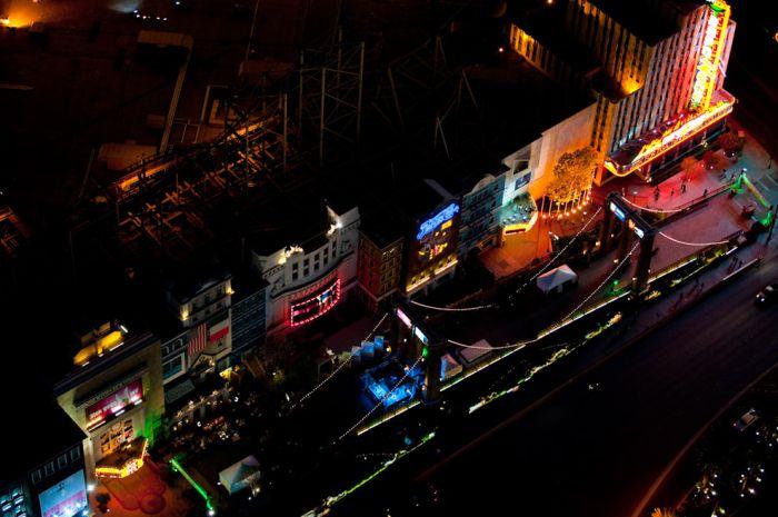 Night Photos of Las Vegas and New York (20 pics)