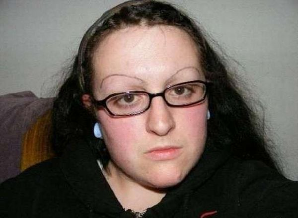 Strange and Weird Eyebrows (33 pics)