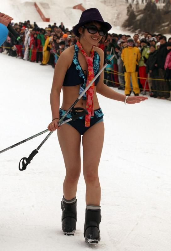 Bikini  Sprint in China (16 pics)