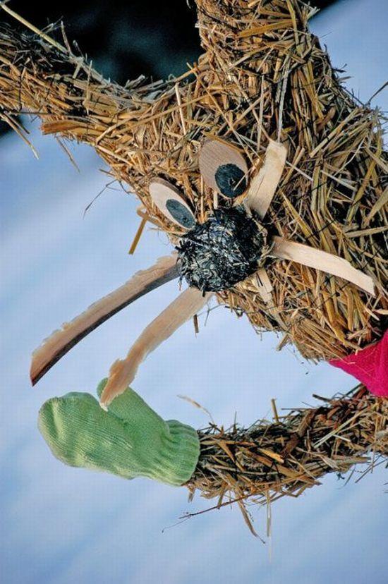 Straw Sculptures (24 pics)