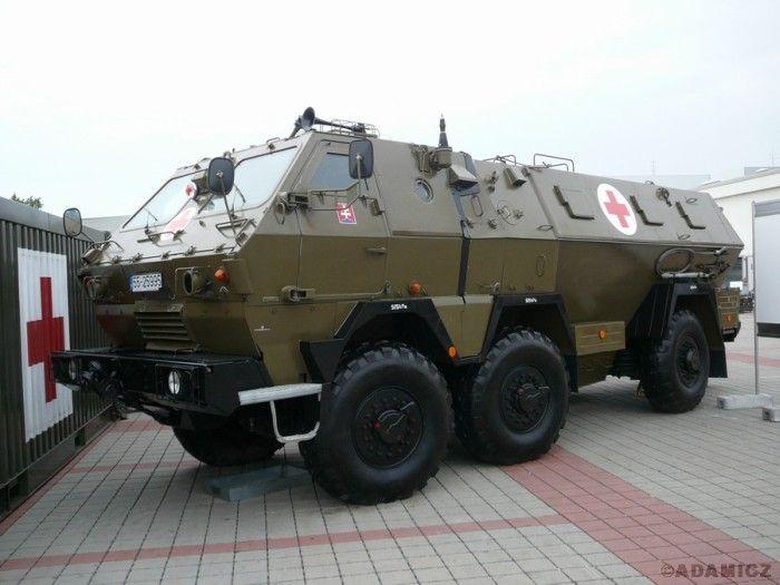 Military Ambulances (46 pics)
