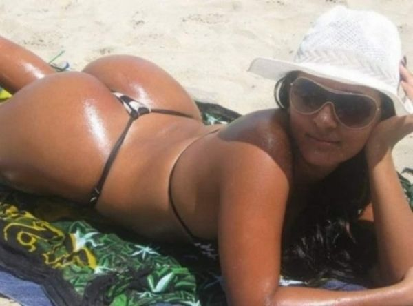 Girls with Sexy Butts (40 pics)