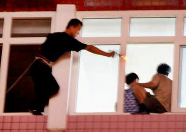 How China Negotiates With Kidnappers (5 pics)