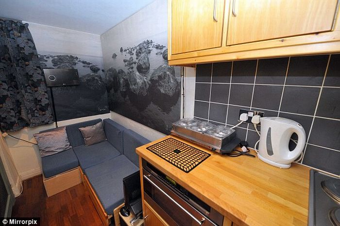 This Flat in London costs More Than $300,000 (4 pics)