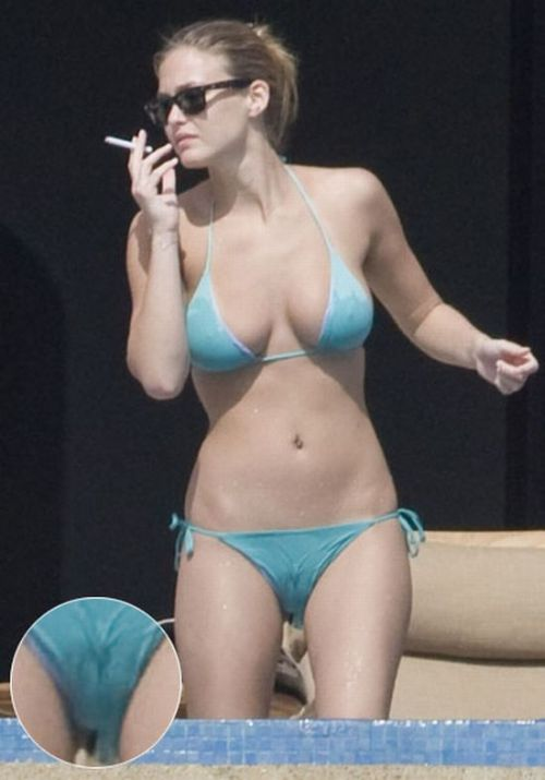 Celebrity Camel Toes 40 Pics