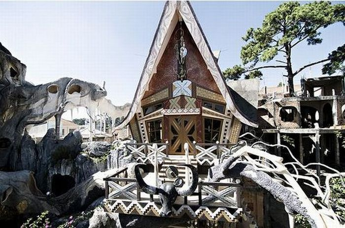 Strange House in Vietnam (51 pics)