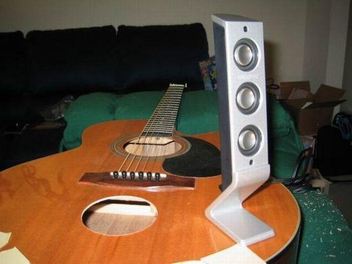 Guitar Casemod (31 pics)