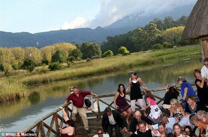 Wedding Crashers (3 pics)