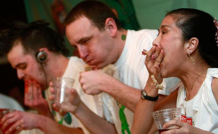 Eating Contests (28 pics)