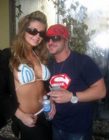 Hot Chicks With Douchebags (25 pics)