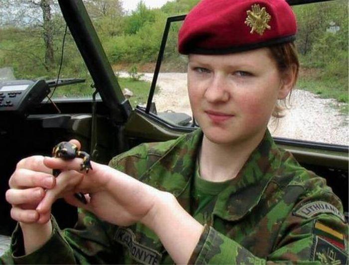 Military Women (48 pics)