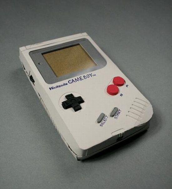 Nintendo Gameboy Papercraft (15 pics)