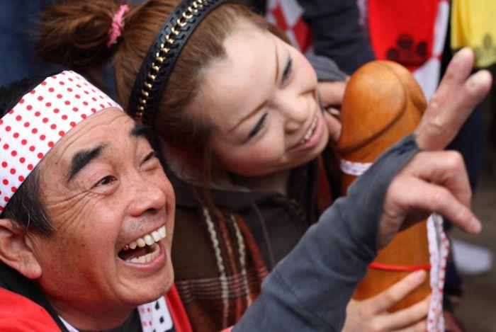 Japanese  Fertility Festival (18 pics)
