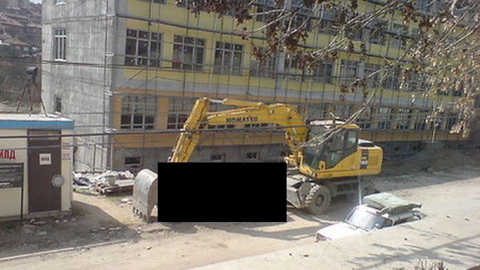 Revenge of an Excavator Driver (3 pics)