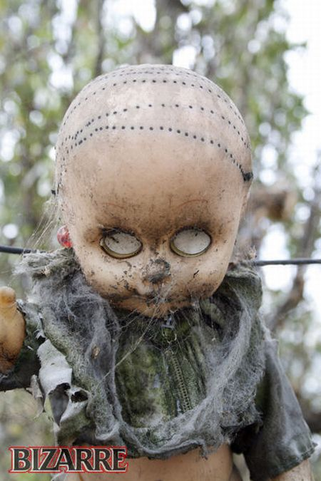 Isla De Las Munecas - Island of the Dolls (17 pics)