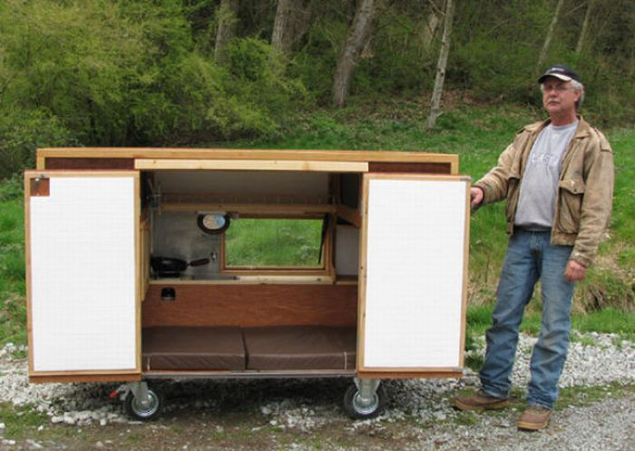 Mobile Home for the Homeless People (16 pics)
