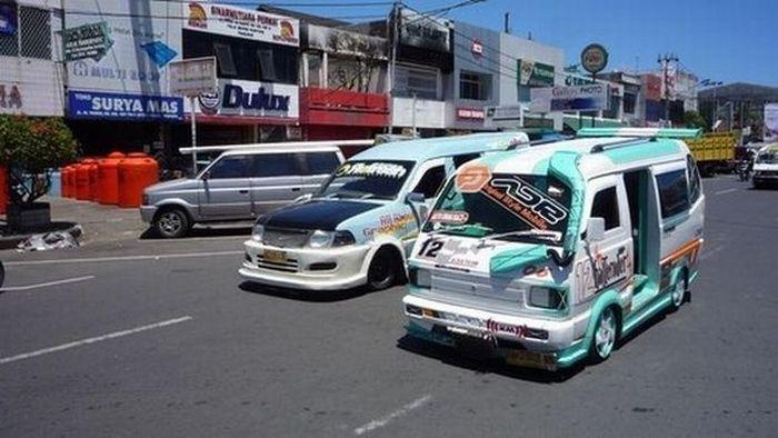 Custom Cars in Indonesia (28 pics)