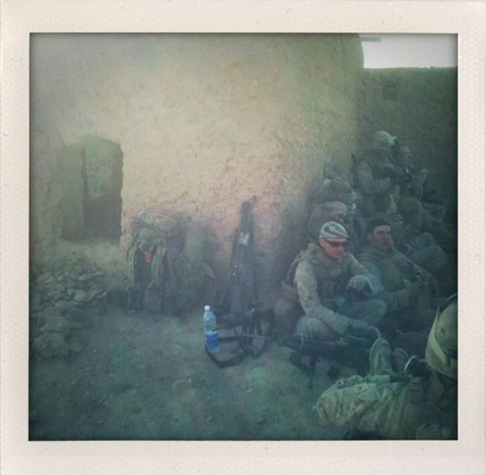 iPhone Photos of War in Afghanistan (33 pics)