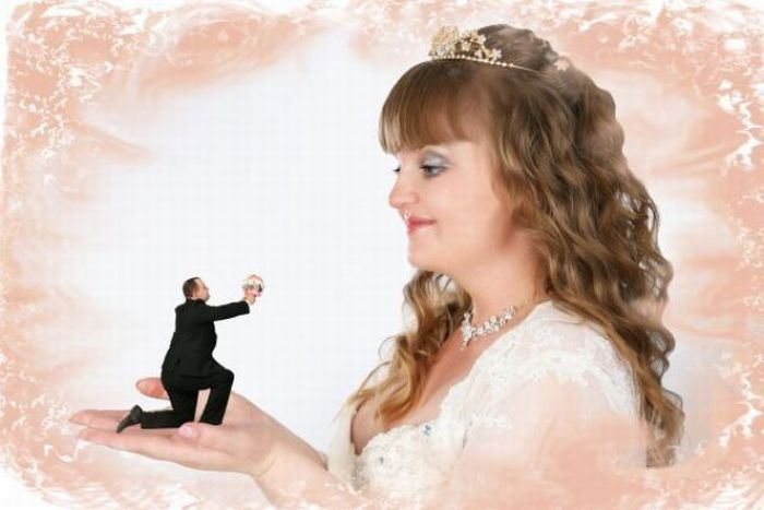 Stupid Photoshopped Wedding Photos (21 pics)